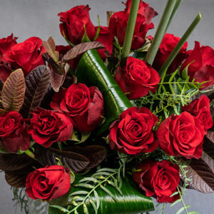 Red_rose_bunch